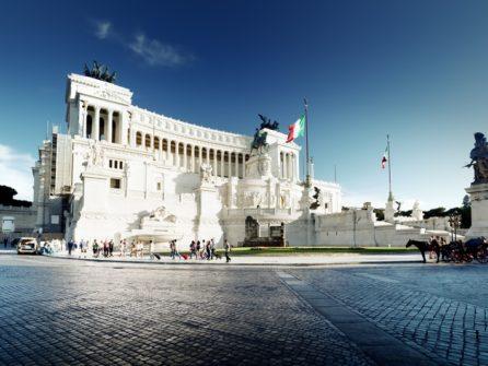 Вітторіано, історія монумента та нелюбов римлян