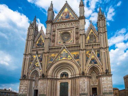 """Екскурсія з Риму в Орв`єто, """"місто-привид"""" Баньореджо та """"Парк Монстрів"""""""