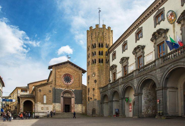 Фото Экскурсия из Рима в Орвието, «город-призрак» Баньореджо и «Парк Монстров»